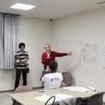 浅野先生からは、時に厳しい講評も。時間のない中、全てのチームがワークをやりきりました。